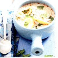 Supa de pui cu lamaie si coriandru