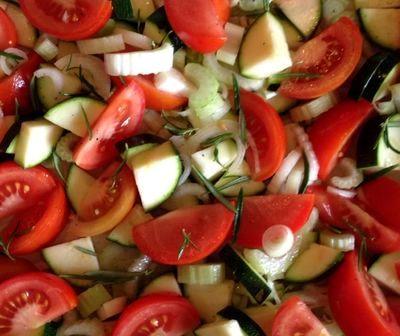 Carnati cu legume la cuptor