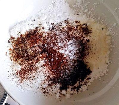Clatite cu sirop de ciocolata