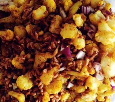 Salata de bulgur cu conopida si curry