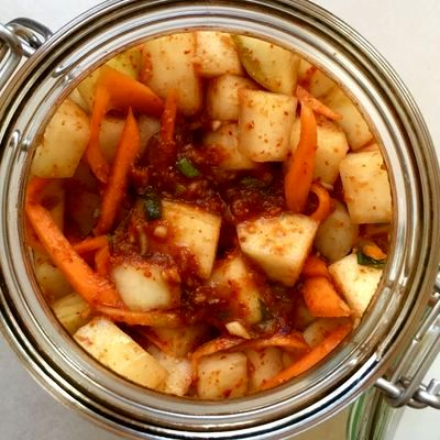 Mix de morcovi si gulii cu pasta kimchi