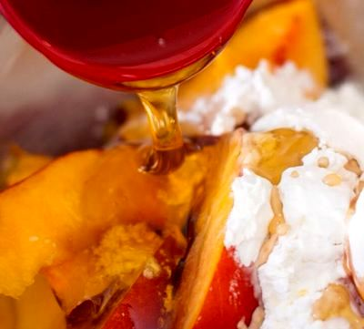 Tarta cu nectarine si vanilie