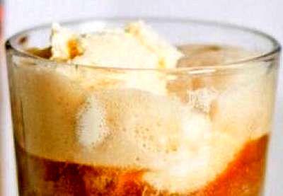 Inghetata de vanilie cu caramel