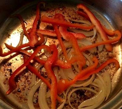 Orez cu legume sote si ou