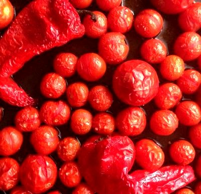 Sos de rosii cu ardei si usturoi