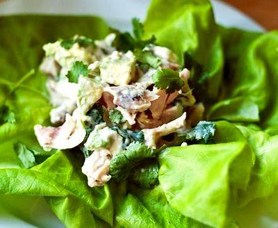 Salata de pui cu sos pesto