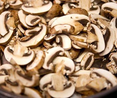 Tarte cu sparanghel si ciuperci