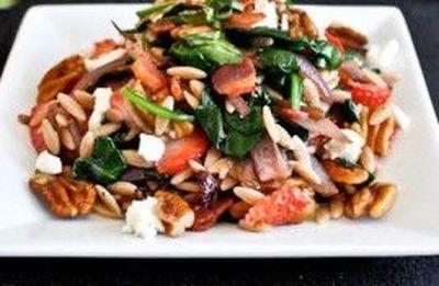 Salata calda de spanac cu orz