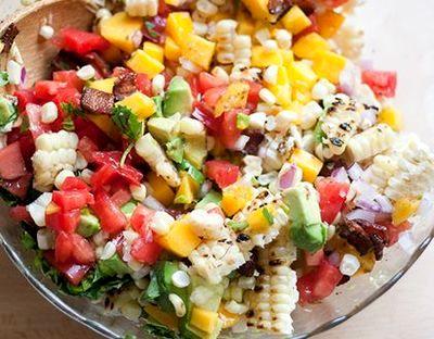 Salata de legume cu branza brie