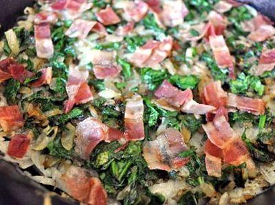 Omleta cu legume si bacon