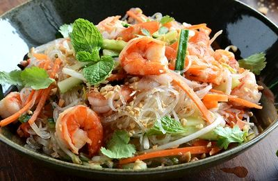 Salata de creveti cu verdeata