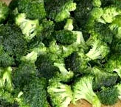 Broccoli cu feta si ceapa