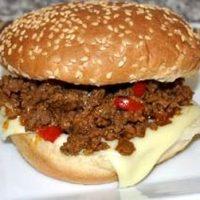 Hamburger picant cu vita